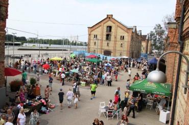 Sestdien Spīķeros norisināsies vasaras sezonas noslēdzošais Rīgas krāmu tirgus