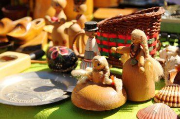 FOTO: Kas iegādājams maija Rīgas krāmu tirdziņā?