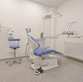 """Spīķeru kvartālā jauns iemītnieks – Zobārstniecības klīnika """"LAURUS DENT plus"""""""