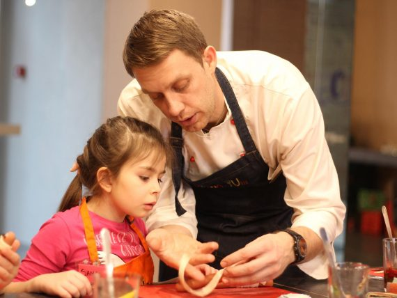 Valentīndienai veltīta kulinārijas meistarklase bērniem