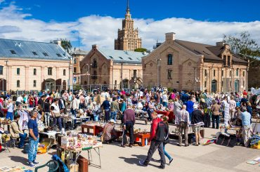 This Saturday the first Riga flea market of new season in Spikeri