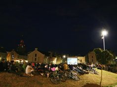 """Spīķeru brīvdabas kino seansā plaši apmeklēta simtgades filma """"Baltu ciltis"""""""