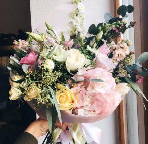 """Skaistākie ziedi no """"Ziedu sēta"""" meistariem Spīķeros"""
