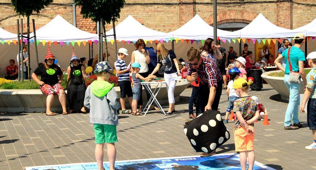 festivāls bērniem radi un iedvesmojies Spīķeru kvartālā