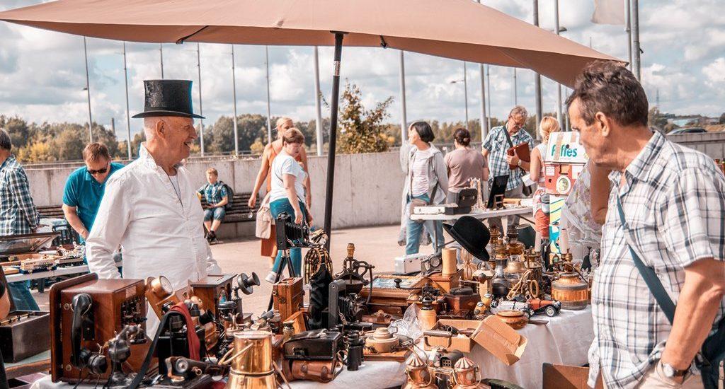 sestdien Spīķeros notiks Rīgas krāmu tirgus