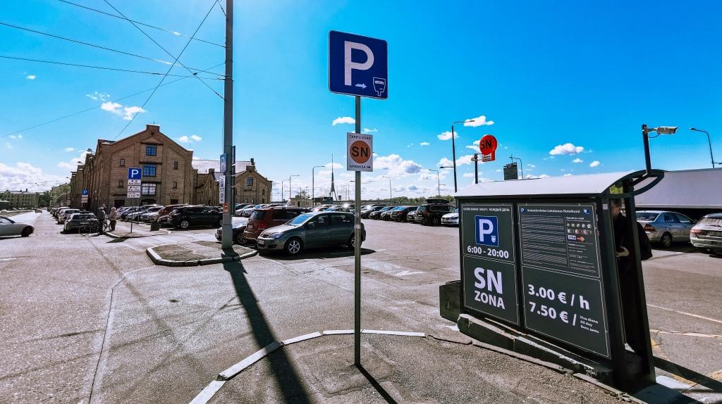 Autostāvvieta Rīgas centrā zona SN
